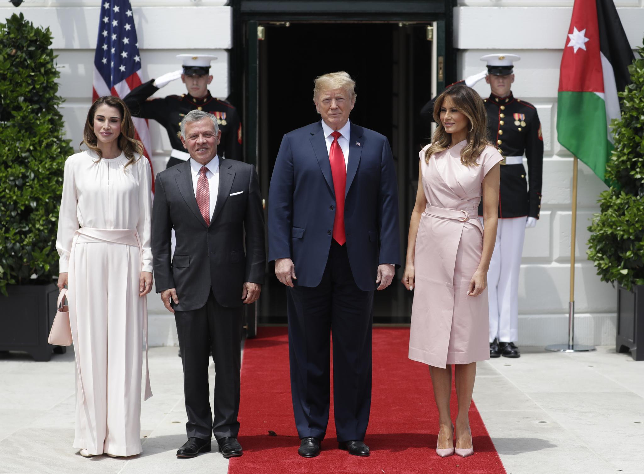 Rania de Jordania y su marido Abdallá II junto a Donald y Melania...