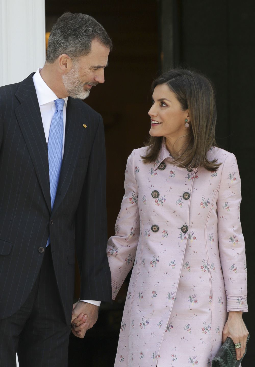 La Reina Letizia y el Rey Felipe Vi comparten entre otras cosas su...