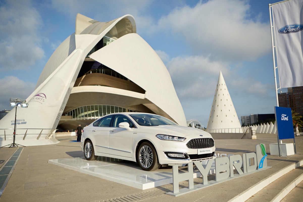 Ford, patrocinador del evento, puso a disposición de algunos...