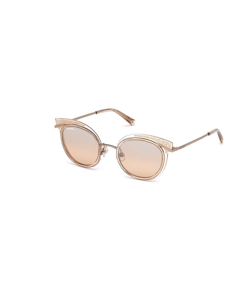 Gafas de sol con montura en glitter, de Swarovski (179 euros).