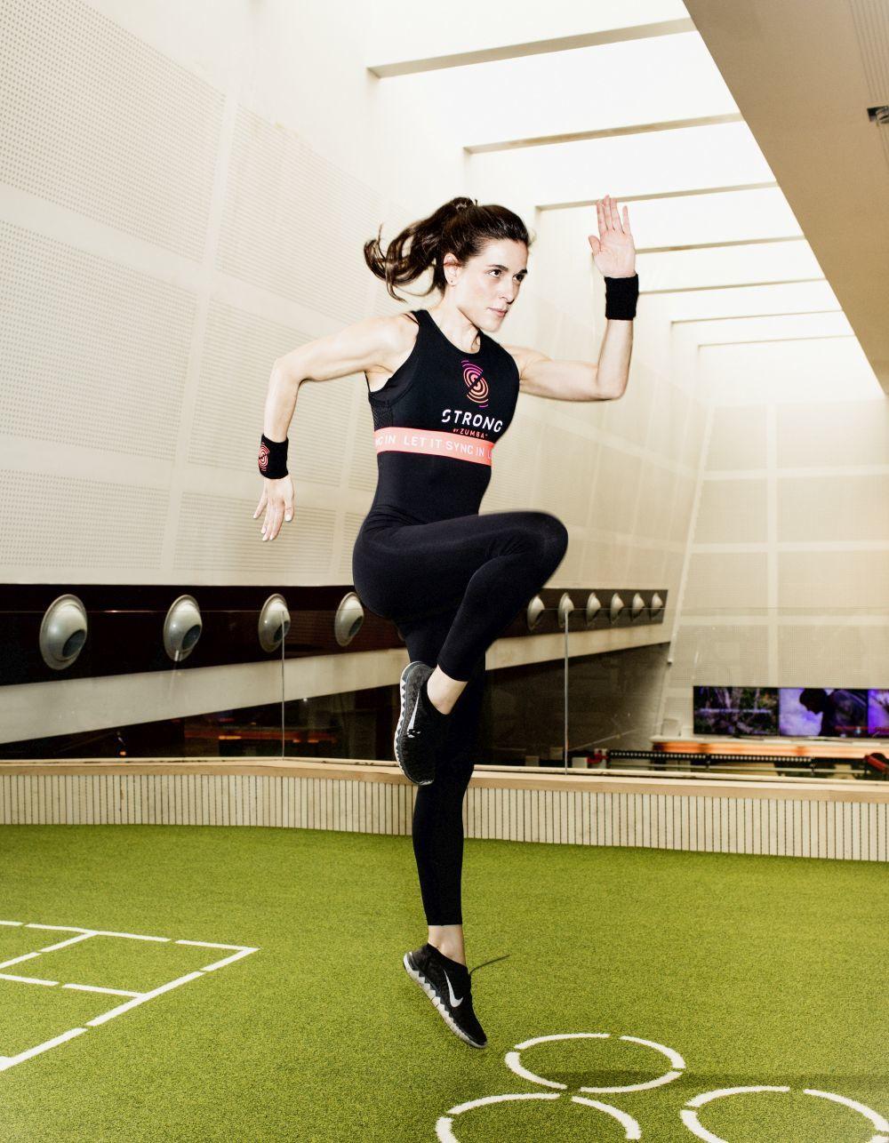 Raquel Sánchez Silva practicando Strong by Zumba