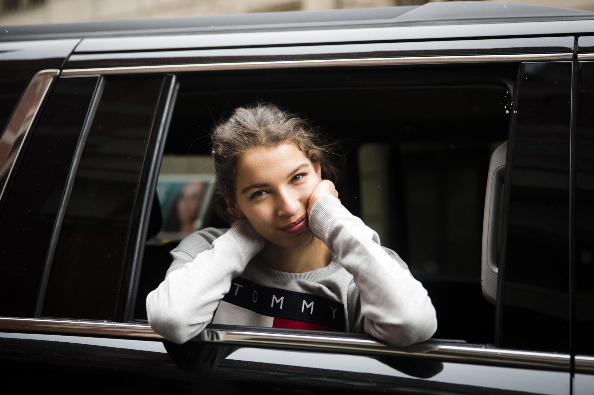 Las redactoras de Telva.com se trasladarán en Uber de desfile a...