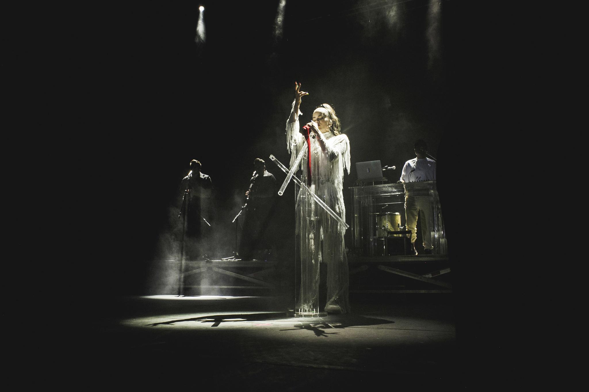 Rosalía, durante un momento de su concierto en el festival Cultura...