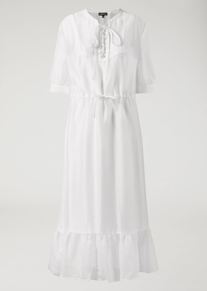 Vestido camisón de gasa blanca (280 euros), de Emporio Armani.