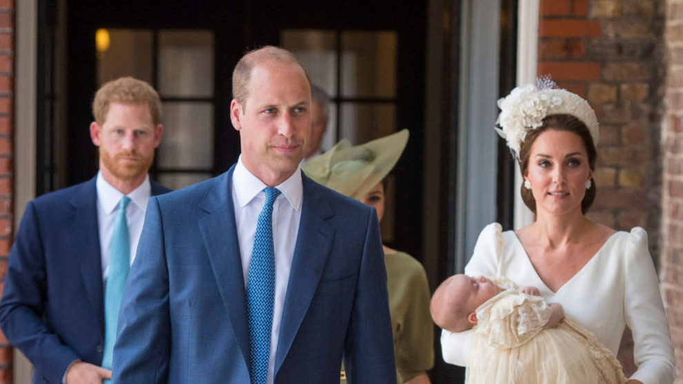 La Familia Real Británica celebra el bautizo del príncipe Louis.