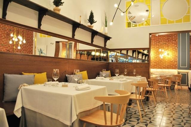 Es un coqueto restaurante ubicado en una antigua mantequería en el...