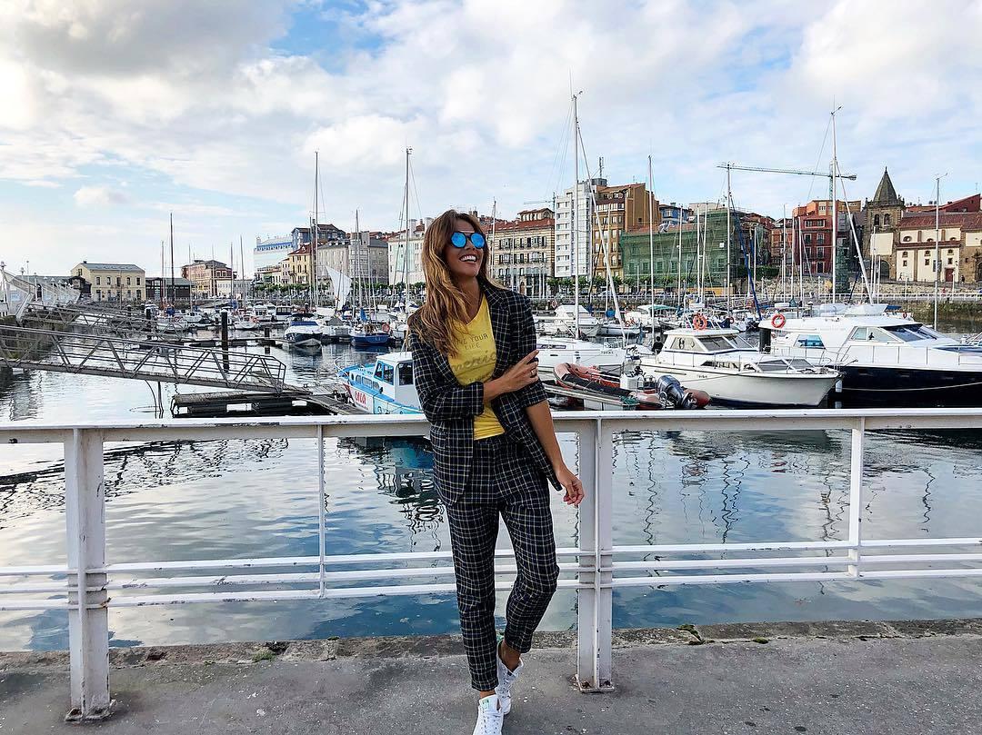 Lara Álvarez en su Gijón natal, disfrutando de unas merecidísimas...