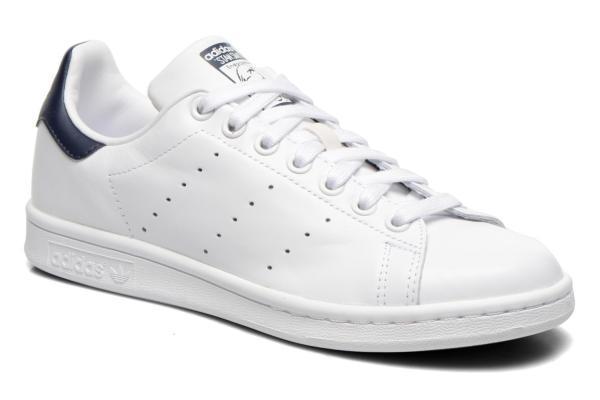 Sneakers blancas modelo Stan Smith, de Adidas (75 euros).