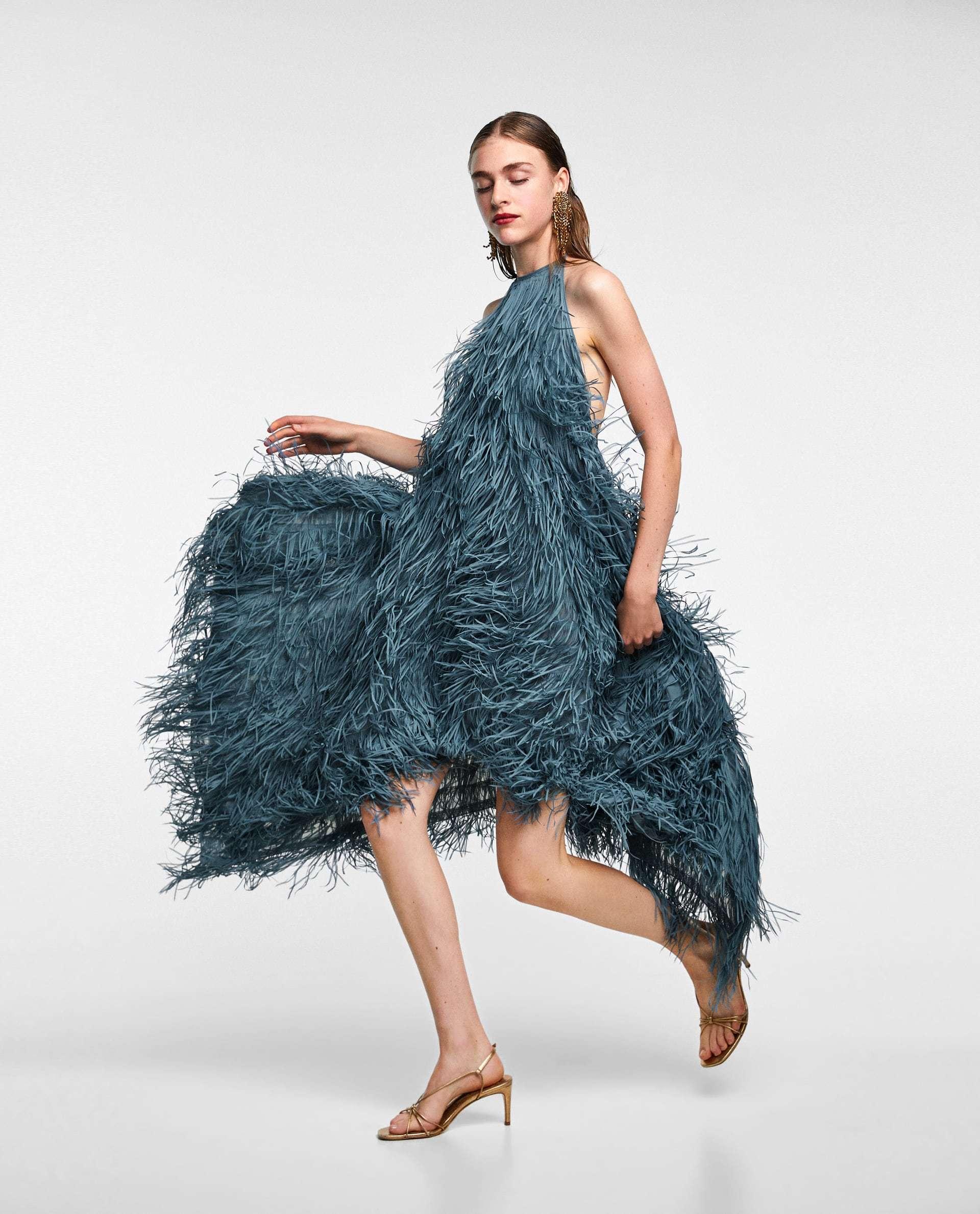 Vestido de flecos de Zara.