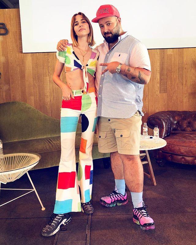 Javier de Juanas junto a Brisa Fenoy en las jornadas Undress by...