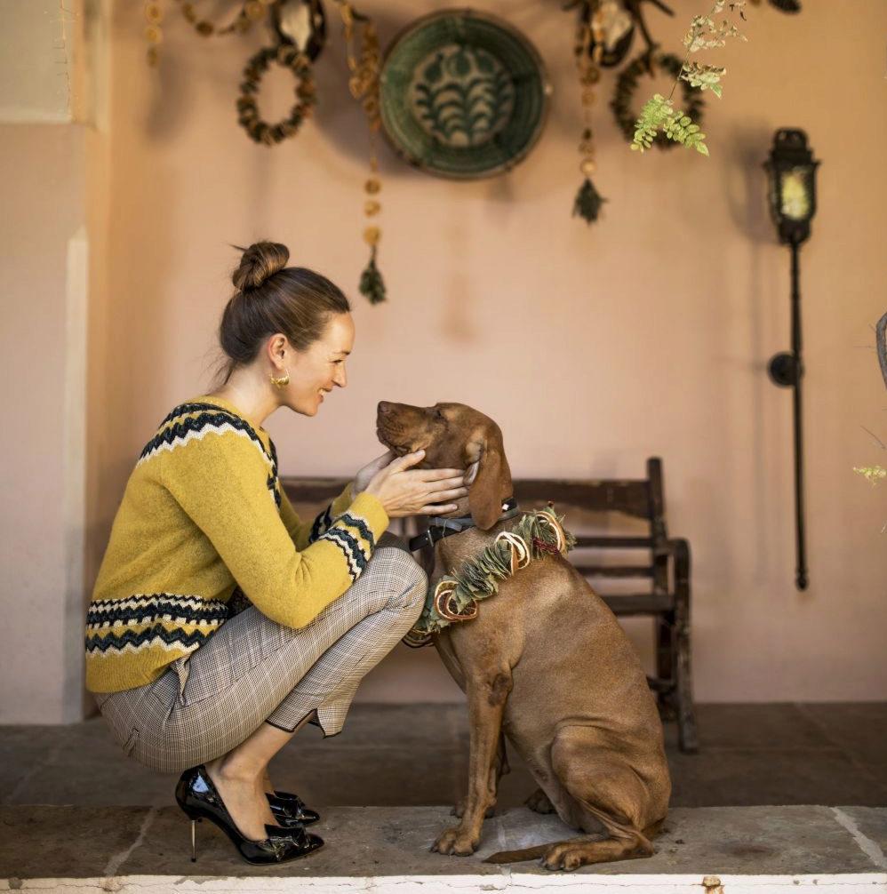 Mujer y perro.