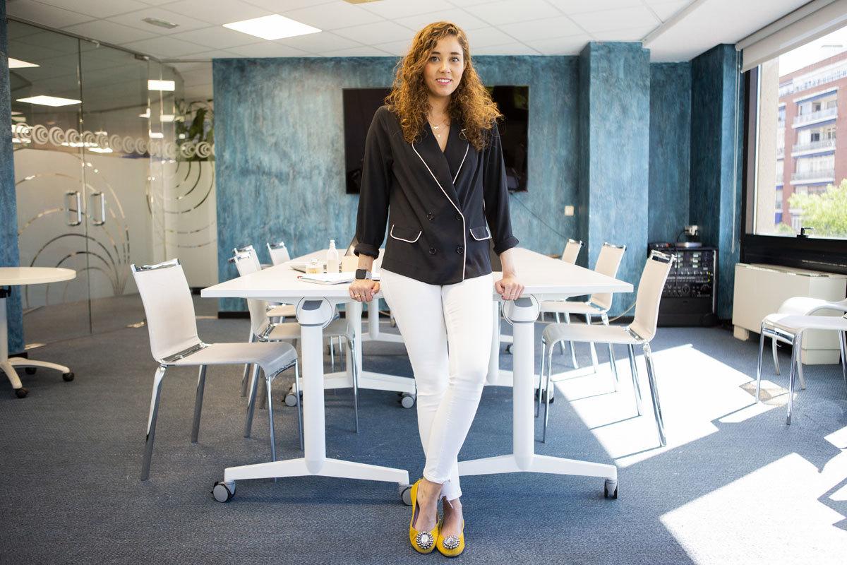 Leticia Albi, ejecutiva de cuentas senior en Omnicom PR Group.