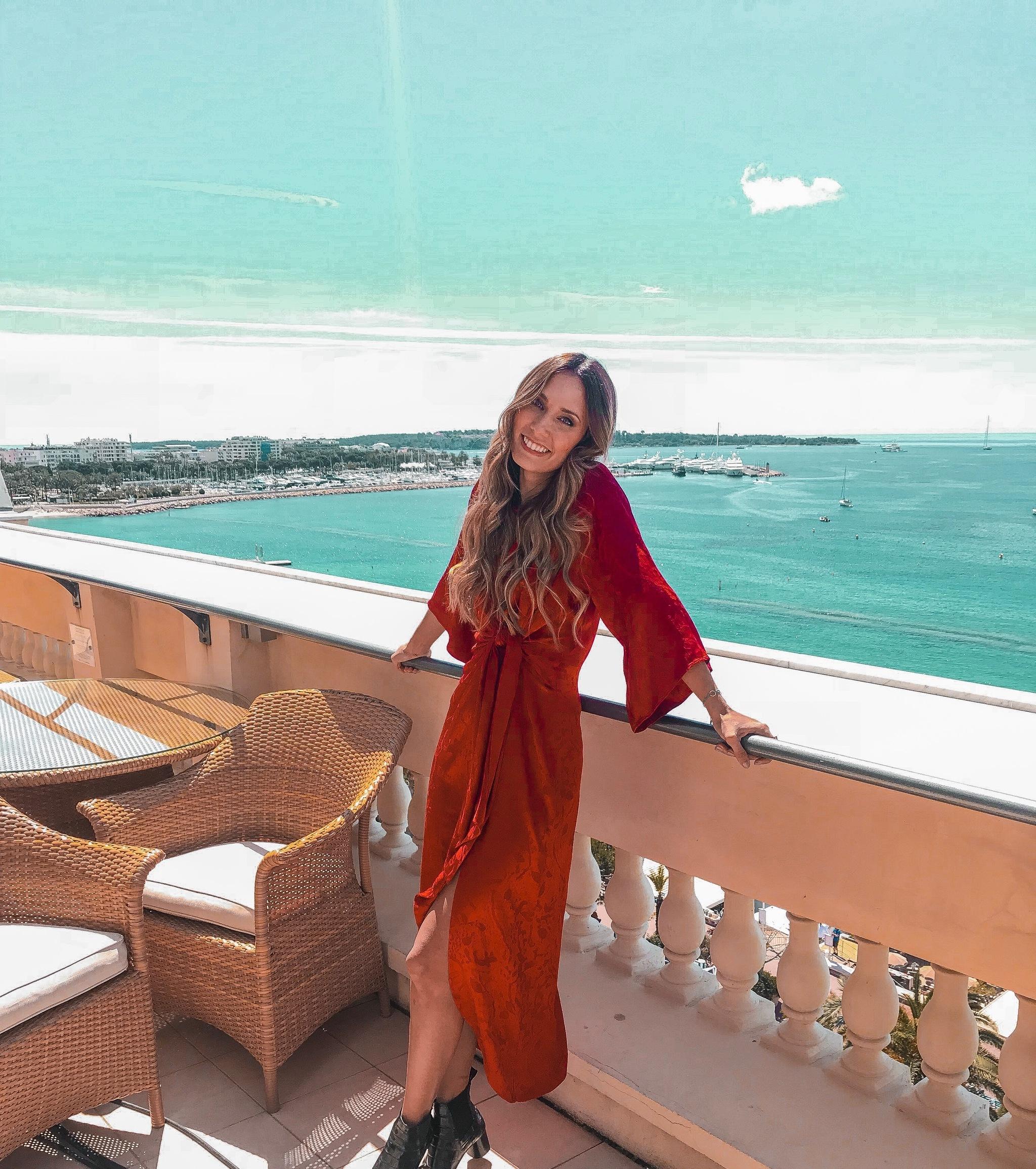 Grace Villarreal en Cannes con vestido de ZARA.