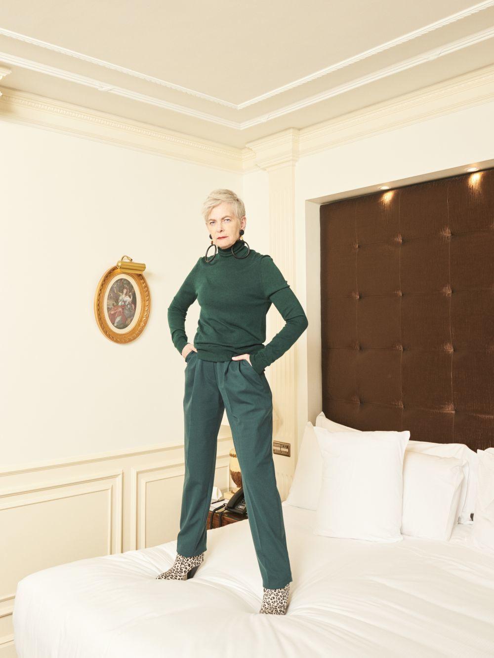 Jersey y pantalón  en viscosa de 2ND  LAB by THE 2ND SKIN CO; botines...