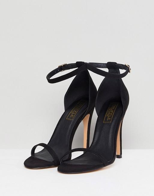 Sandalias de tacón negras, de The Truffle Collection disponible en...
