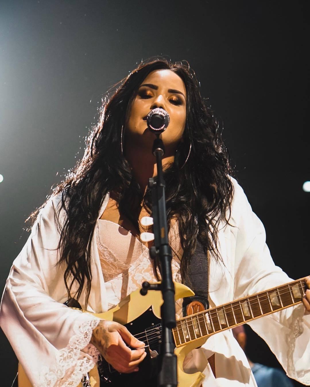 Demi Lovato en un concierto
