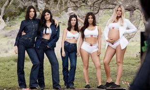 Campaña de Calvin Klein con las hermanas Kardashian-Jenner.