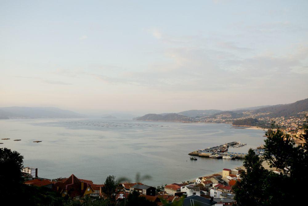 La boda tuvo lugar en Bueu, un pequeño municipio costero de la...
