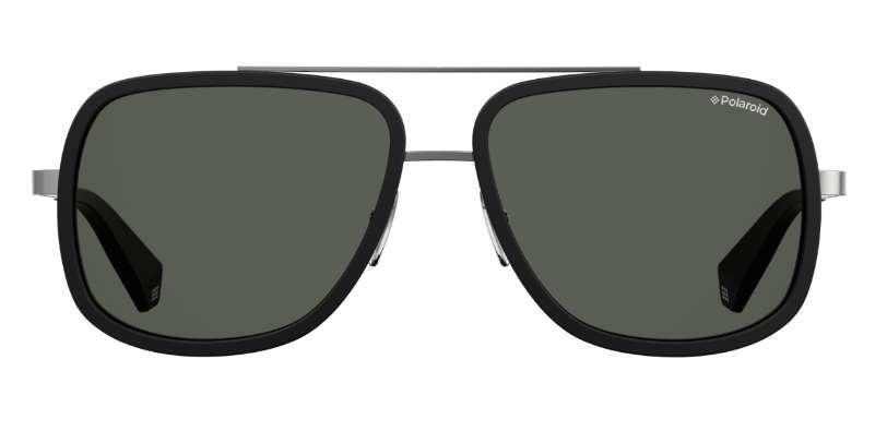 Gafas de sol, de Polaroid (65 euros).