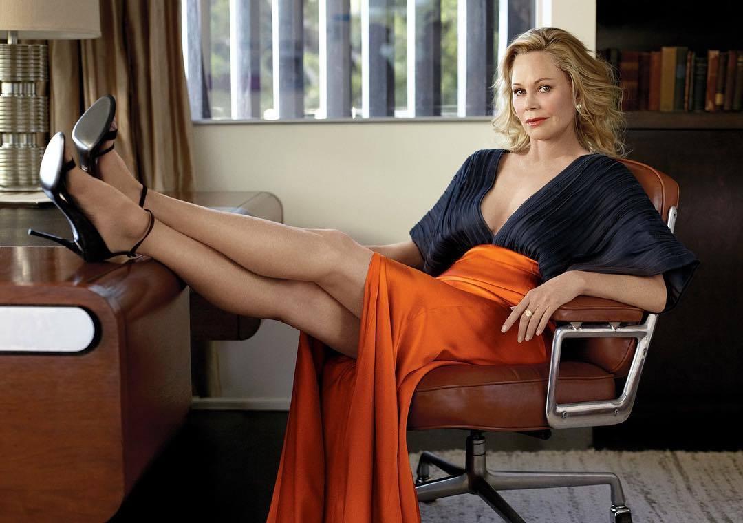 La actriz Melanie Griffih después de su última cirugía en la...