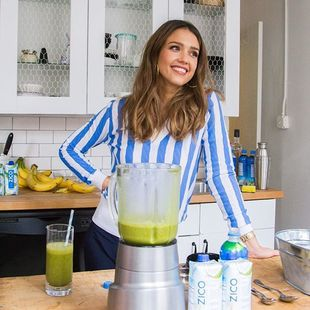 Smoothies, zumos e incluso sidra es lo que beben nuestras celebrities...