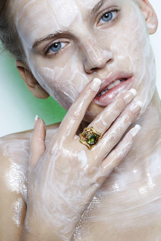 Algunos cosméticos mejoran la apariencia de los poros abiertos y...