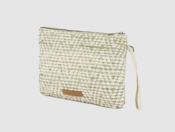 Bolso de mano, de Southern Cotton (9,95 euros).