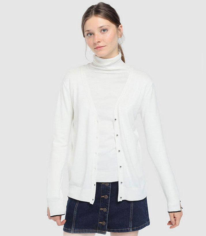 Cárdigan claro, de Easy Wear (15,99 euros).
