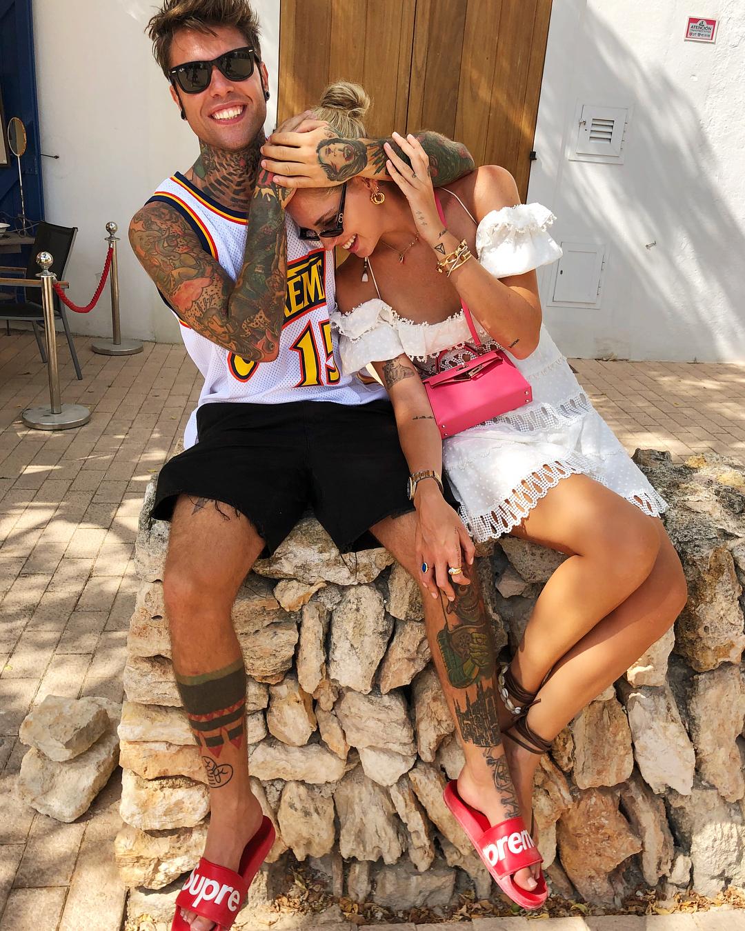 Chiara Ferragni y Fedez durante sus vacaciones en Ibiza.