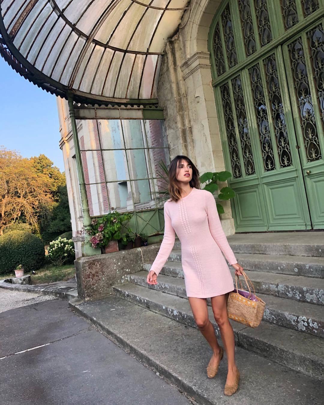 Jeanne Damas vestida de su firma Rouje