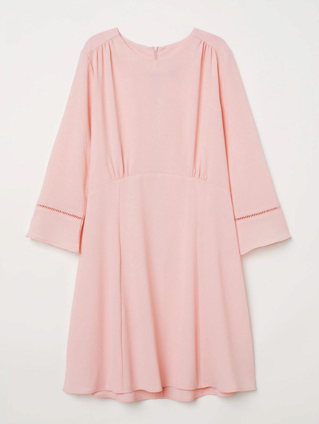 Versión mini, de color rosa pastel, de H&M (19,99 euros).