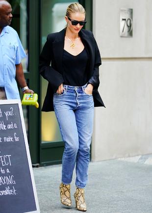 ¡Consigue la versión low cost del look de la modelo en Zara!