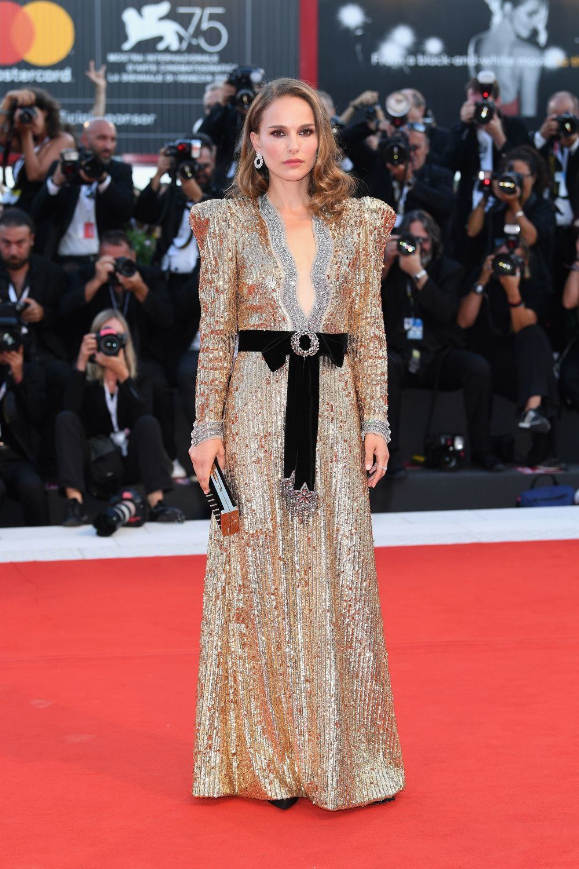 Natalie Portman en el Festival de Venecia con vestido de Gucci
