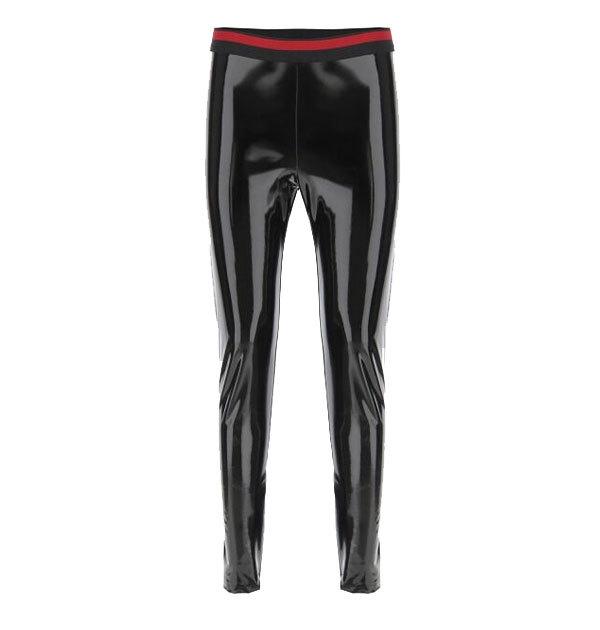 Pantalones de cuero con cintura roja, de Imperial (63 euros).