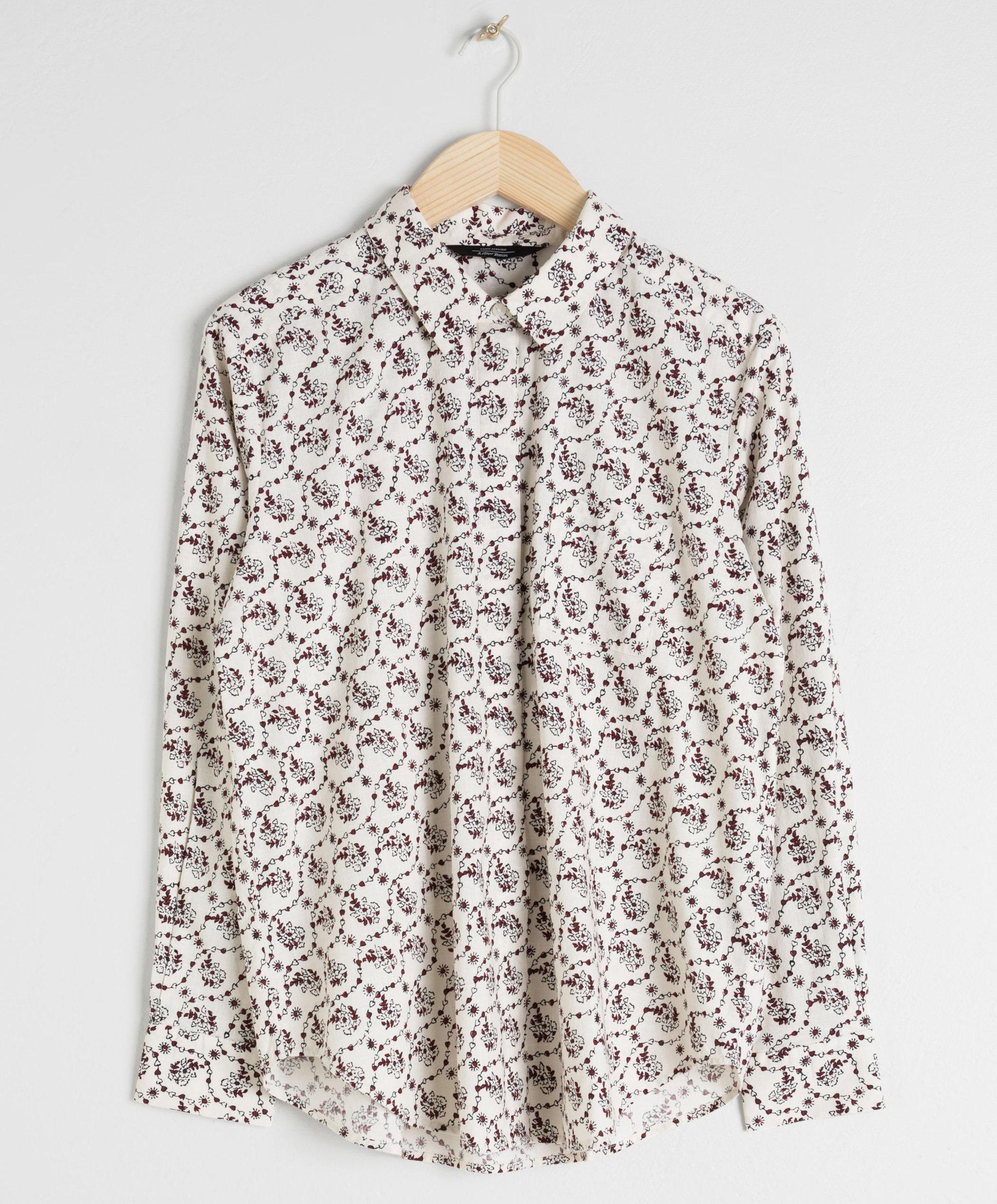 Camisa con estampado, de &OtherStories (49 euros).
