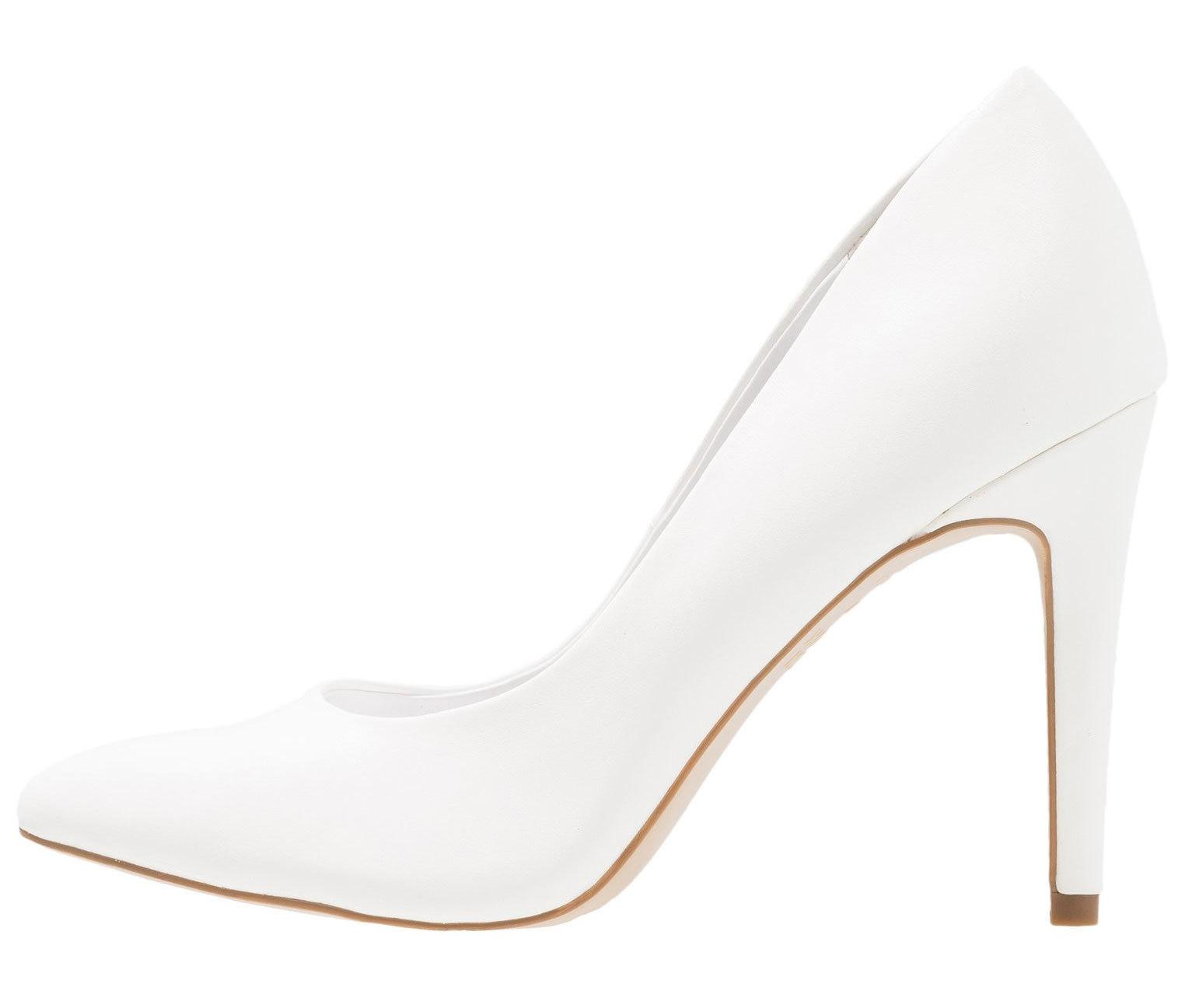 Stilettos blancos, de New Look (25,95 euros).