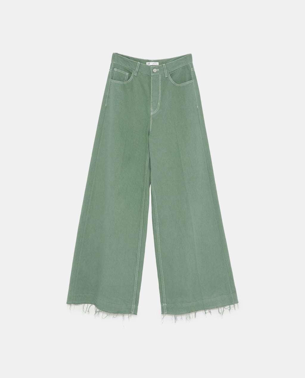 Similar al modelos de Sara Carbonero, pero en otro color, de Zara...