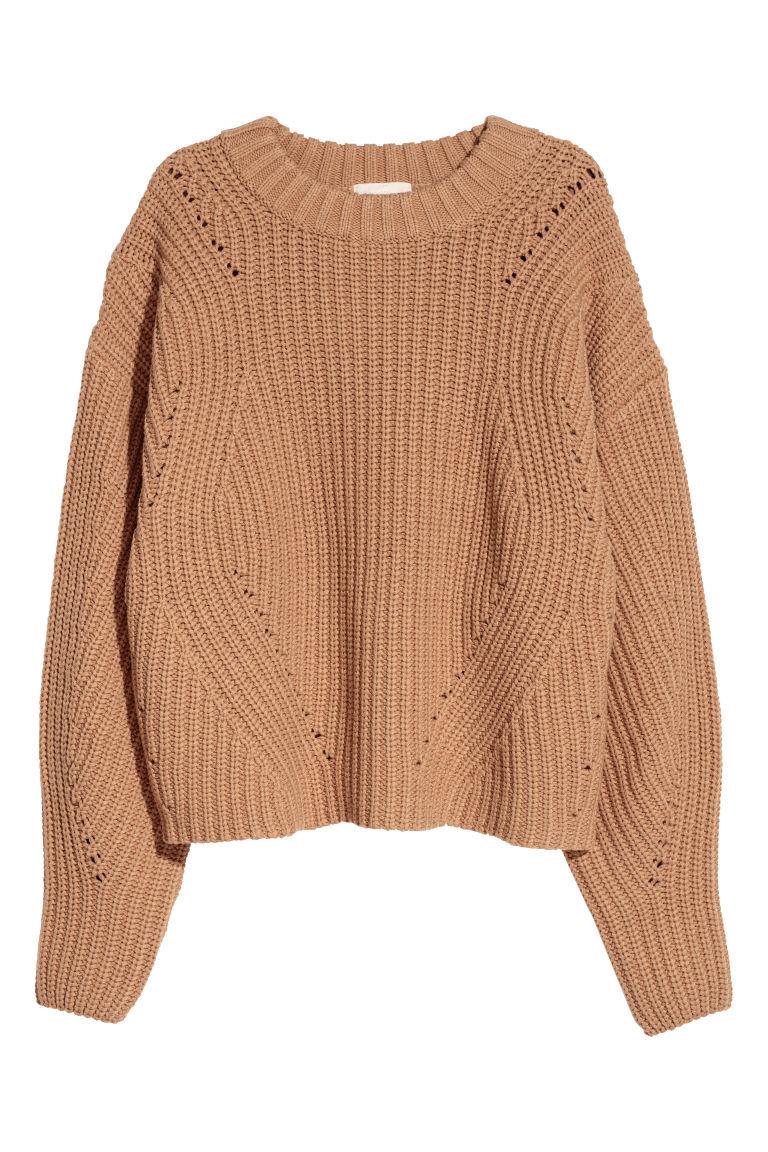 De punto y en tono marrón, de H&M (39,99 euros).