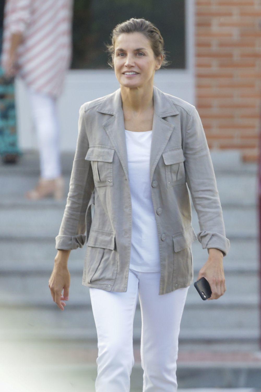 La Reina Letizia con look casual.