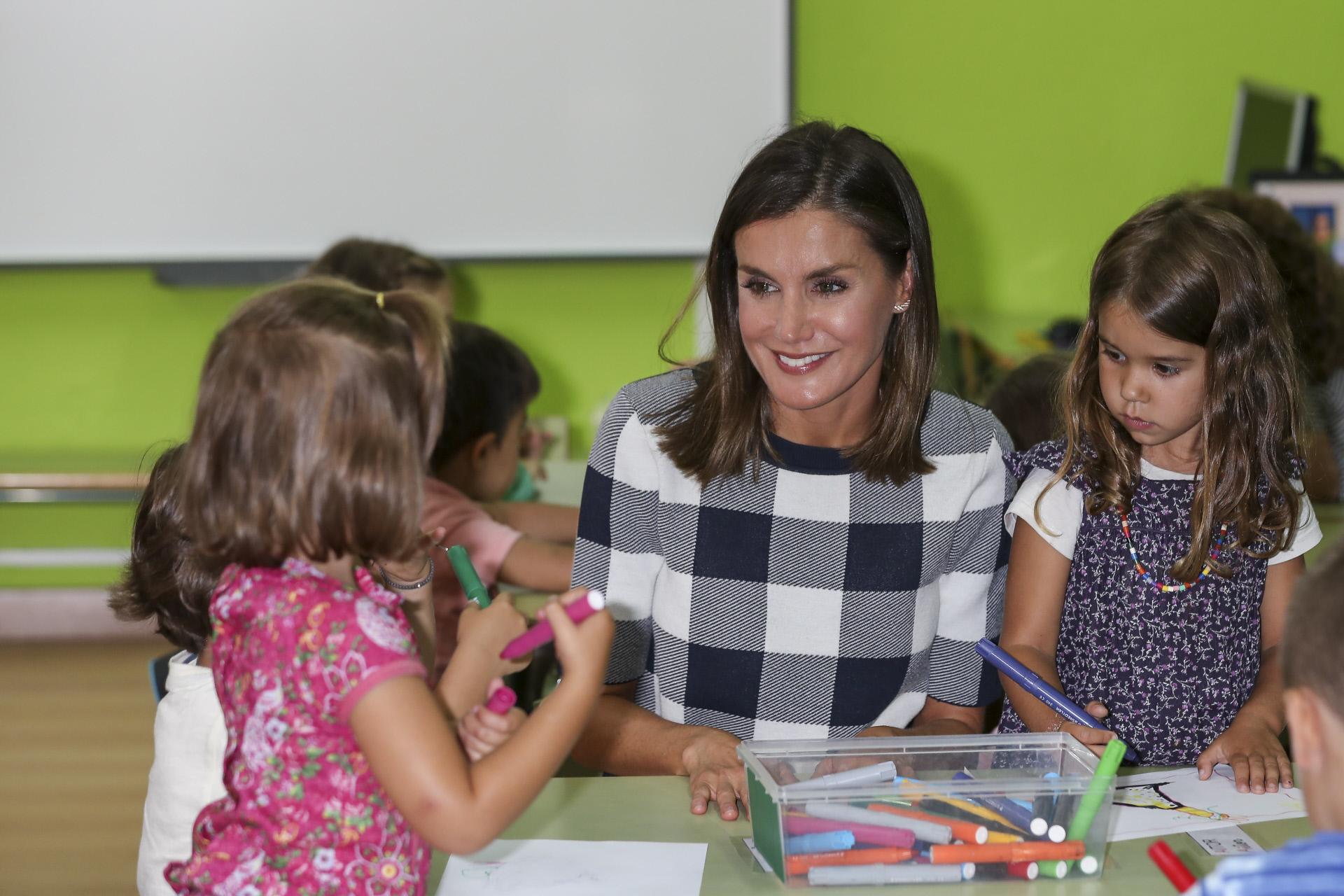 Doña Letizia inaugurando el curso escolar en Oviedo.