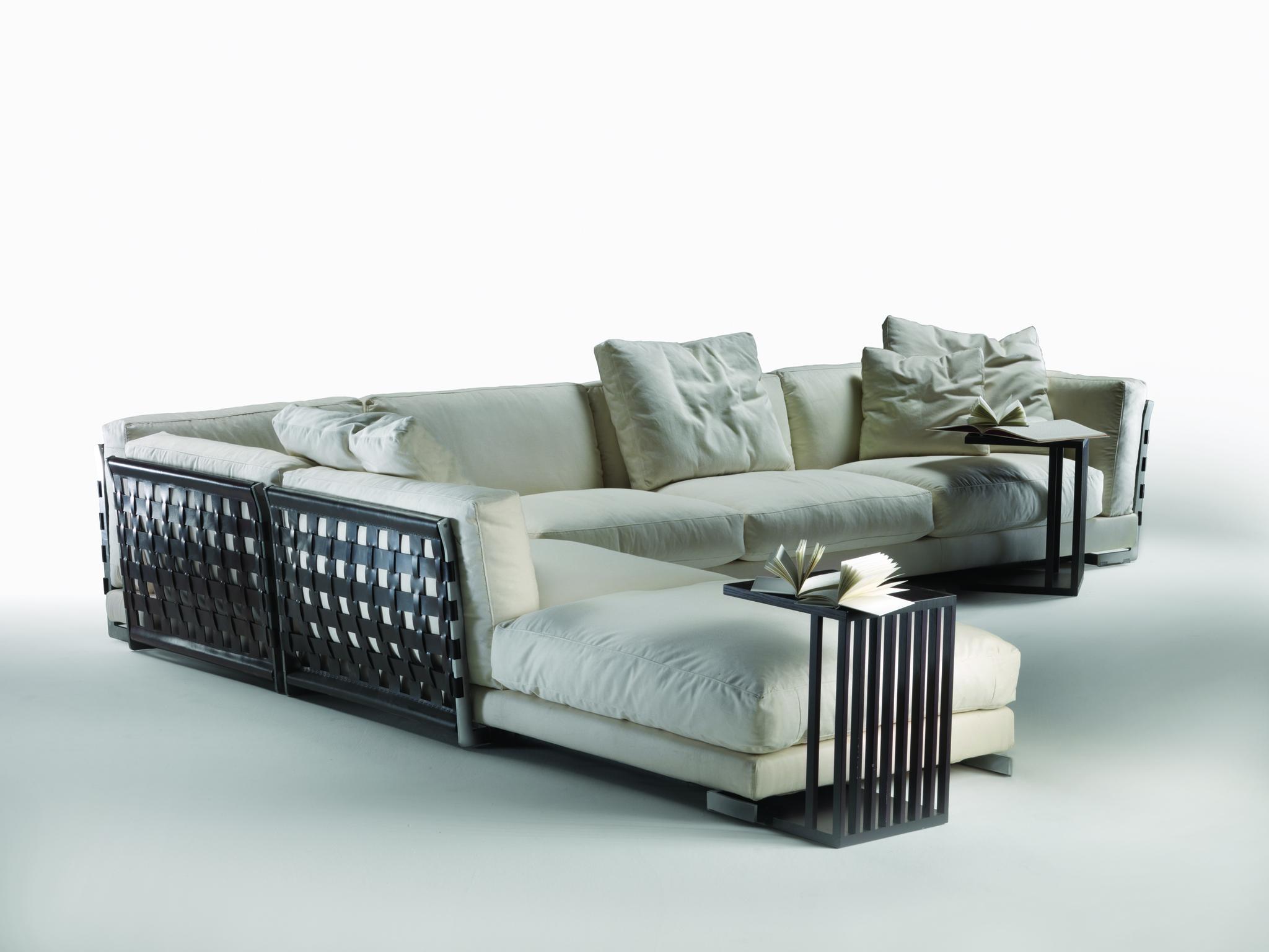 Podrás completar tu sofá Cestone con las mesas de centro del mismo...