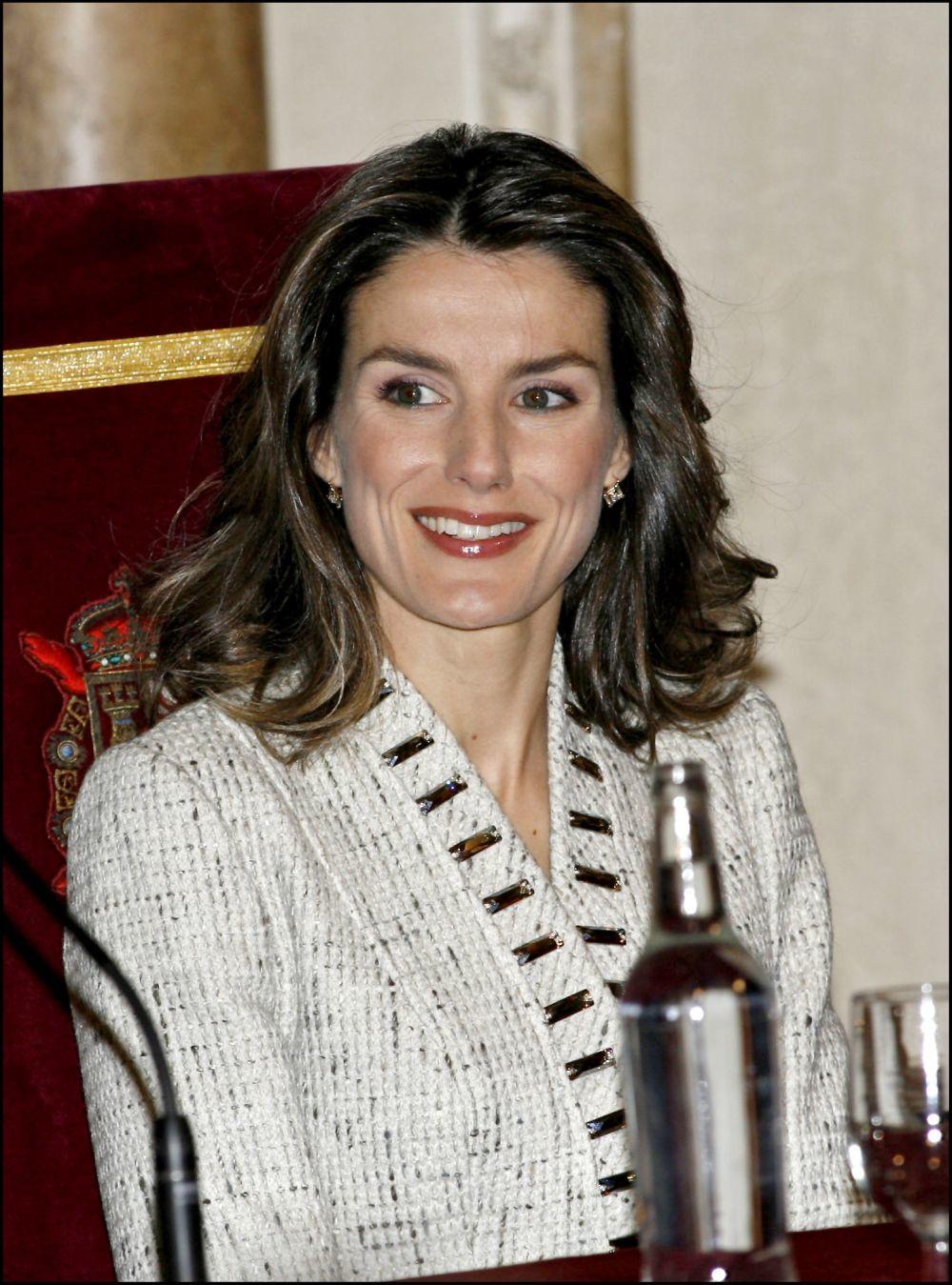 Otro de los cambios estéticos más notables es cómo la Reina Letizia...