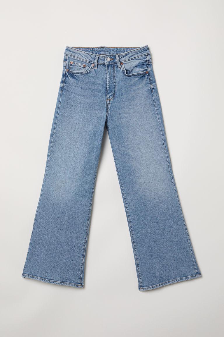 Jeans de tiro alto, de H&M (24,99 euros).