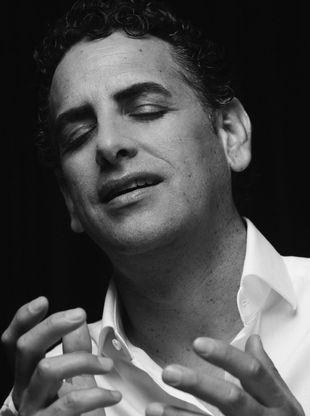 Juan Diego Flórez, interpretando un aria en el hotel Gran Meliá...
