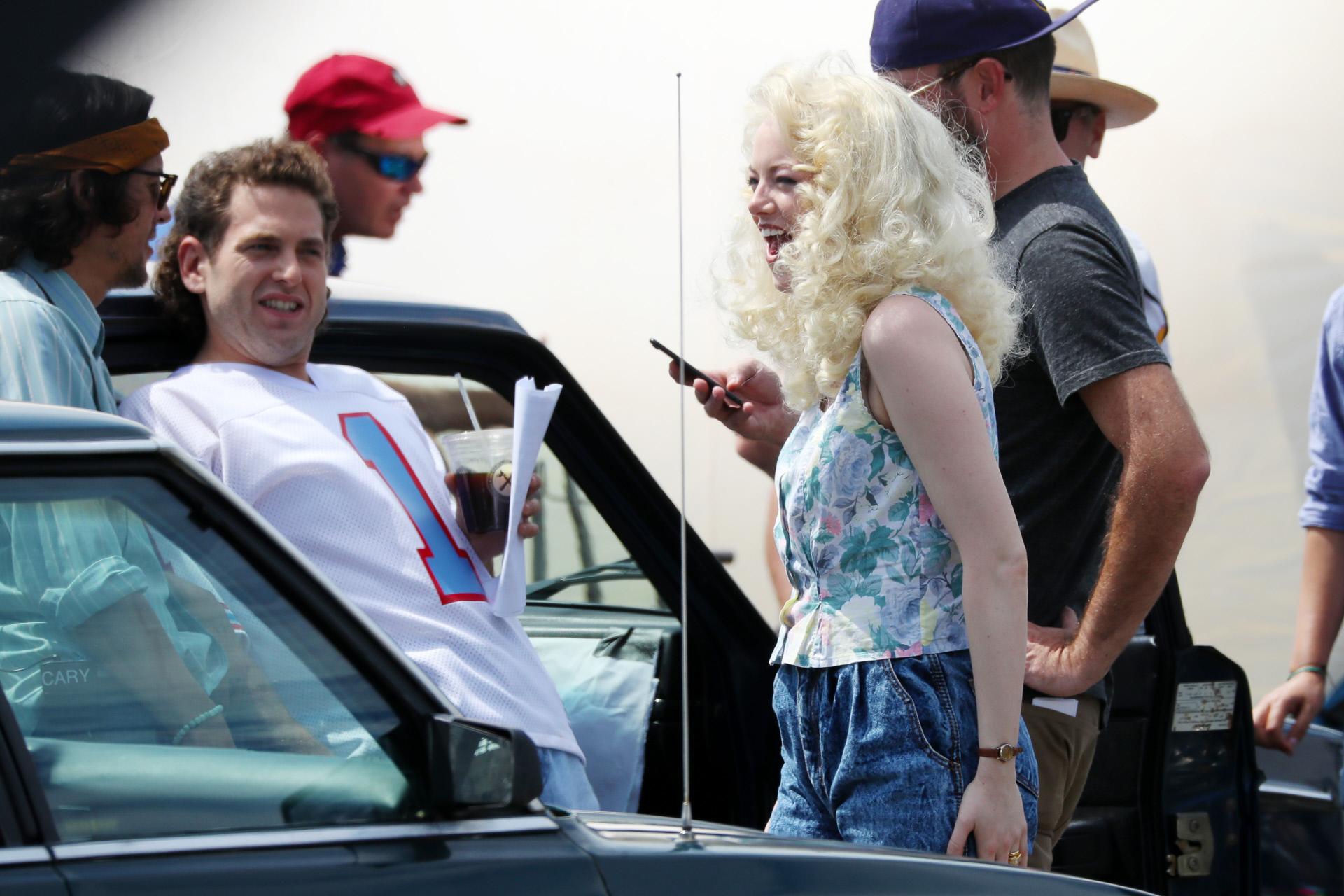 Emma Stone junto a su compañero en Maniac, Jonah Hill, durante el...