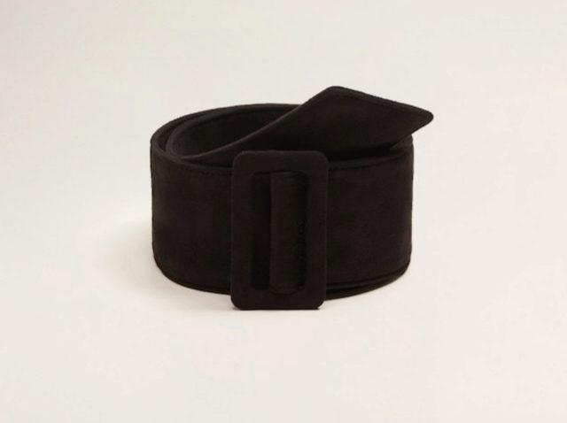 Cinturón oscuro, de Mango (15,99 euros).