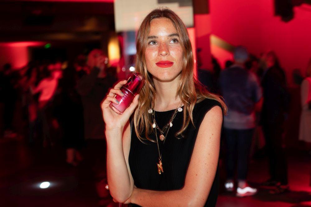 Nuria Val con su cosmético imprescindible para su piel este otoño,...