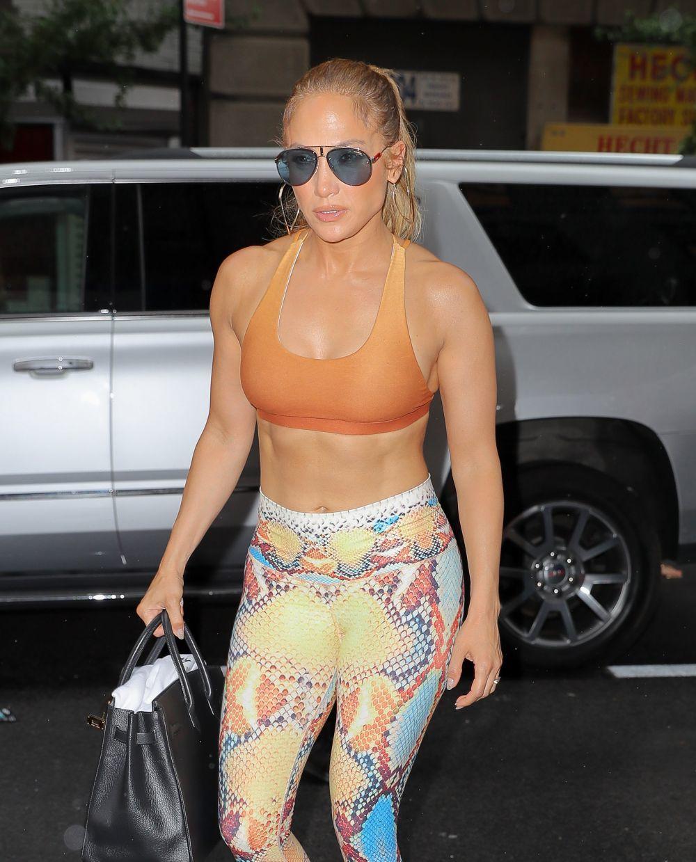 Jennifer Lopez nunca falta a sus entrenamientos diarios para presumir...