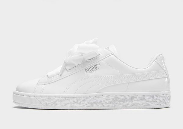 Sneakers blancas, de Puma disponibles en JD Sports (40 euros)