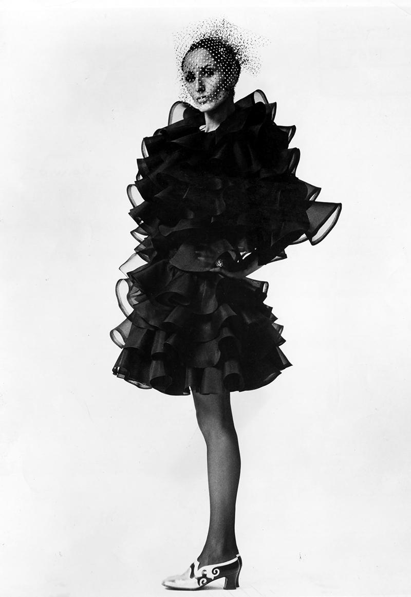 Naty Abascal con un vestido de organza de Oscar de la Renta...